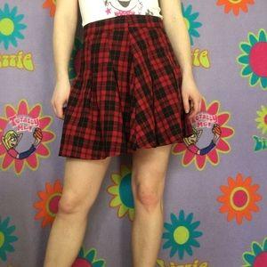 Dresses & Skirts - Plaid Red 90s grunge pleated skirt